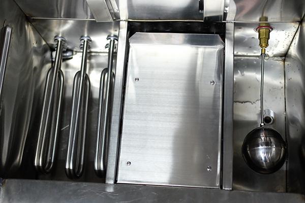 Bên trong tủ nấu cơm công nghiệp 60kg